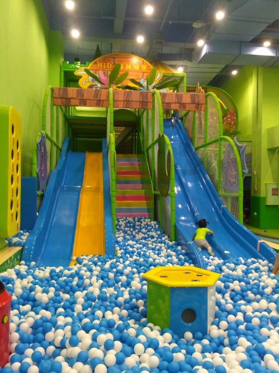 博文详情  嗨梦主题乐园是哈尔滨唯一一家儿童游乐商场,这里有真人cs