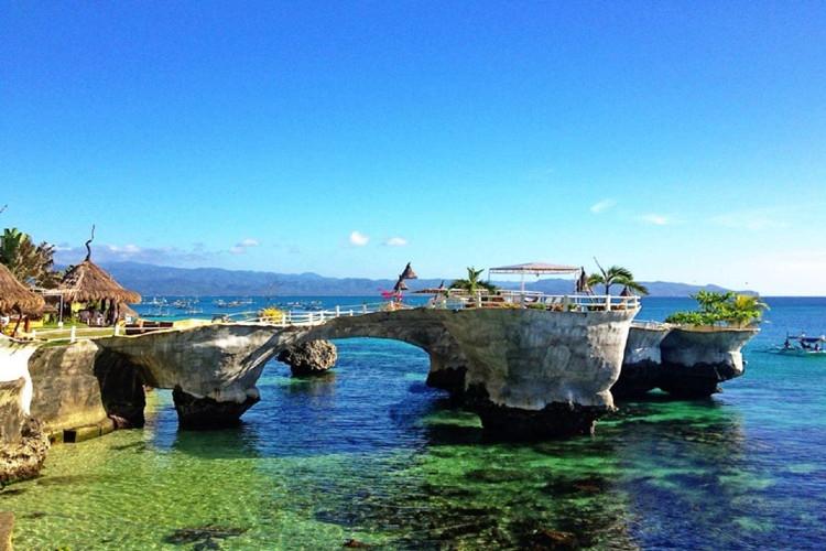 水晶岛,魔幻岛,鳄鱼岛距离长滩岛都很近,所以跳岛游是长滩岛不能错过