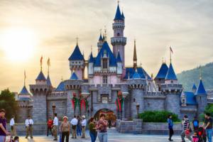 连续两年亏损后 香港迪士尼扩建计划正式启动
