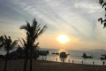 丹东到海南双飞六日游_三亚亚龙湾邂逅爱的雨林
