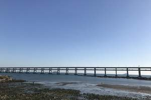 青岛啤酒厂、蓬莱八仙渡、威海小石岛出海、大连、旅顺军港5日游