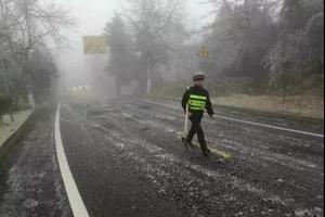 受雨雪影响 全国多地多个景区景点暂时关停