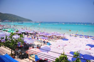 泰国芭堤雅拟整顿秩序 沙滩路禁止巴士接送游客