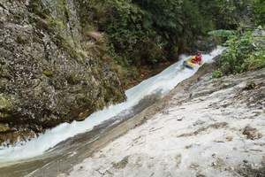 西峡鹳河漂流一日游