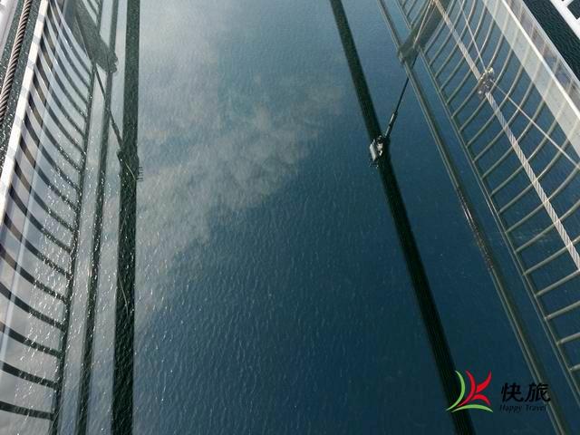玻璃桥(12)