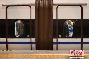 长三角铁路春游运输启动 上海站加大列车开行频次