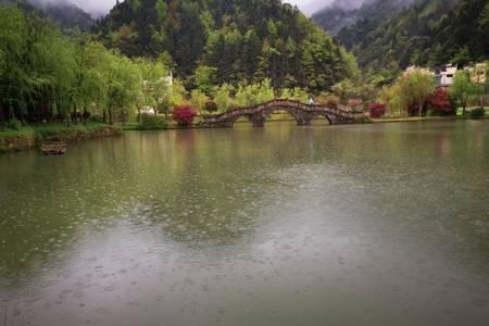 青岛跟团去桂林玩大概多少钱 青岛到桂林银子岩象鼻山双飞五日游