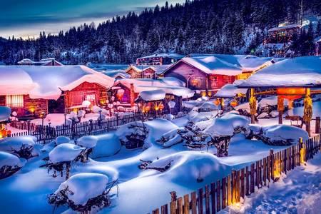 哈尔滨出发|雪乡+大秃顶子山+冰雪十里画廊+梦幻家园2日游