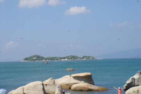 惠州出发到  阳江海陵岛 泡五星天海温泉 疍家赶海 沙滩篝火晚会纯玩三天品质游