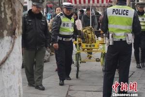 杭州警方严查西湖双人以上自行车 违者可追刑责