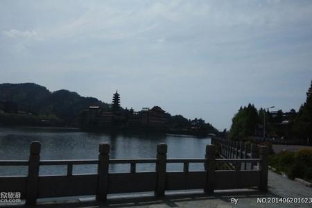 武汉到青岛乳山银滩威海海驴岛蓬莱帆船烟台养马岛双高五日游Q