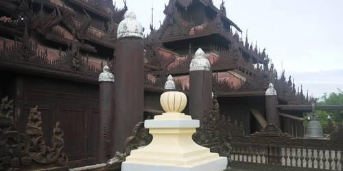 金色宫殿柚木寺