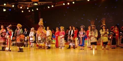 九寨沟羌族歌舞