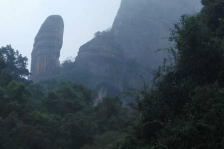 惠州出发到 韶关 丹霞山 阳元石 阴元石 粤北长征纪念馆 两天汽车纯玩团