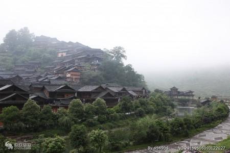 济南去贵州山东成团-黄果树.苗寨小七孔双飞6日-贵州红常态游