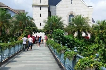 广州出发清远西班牙美林湖小镇+白天鹅温泉酒店2天纯玩