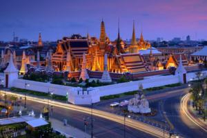 中国驻泰使馆提醒游客遵守泰先王葬礼期间规定