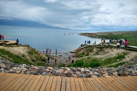 公司包团到新疆旅游什么季节比较合适?北疆+南疆天山天池八天