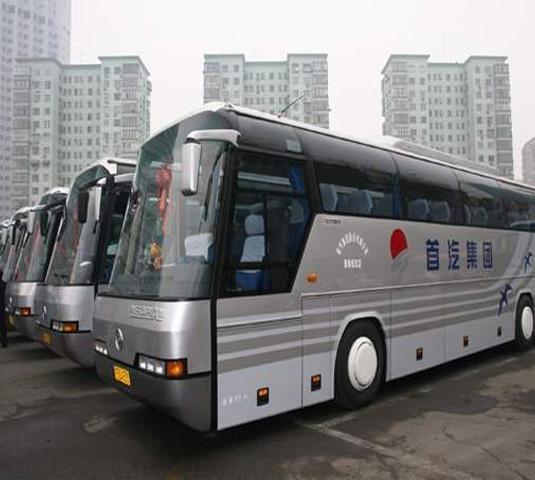 北京旅游大巴车预定,53座38座22座正规旅游车价