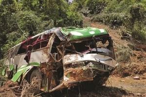 突发!老挝车祸13人遇难!初步认定系车辆问题