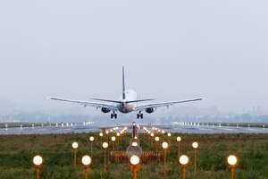 上海机场2月旅客吞吐量同比下滑超八成