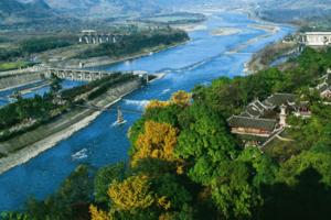 青城山—都江堰景区调整限流 每日限流为最大容量30%