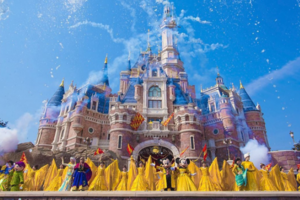 上海迪士尼乐园将于5月11日起实行限流重新开放